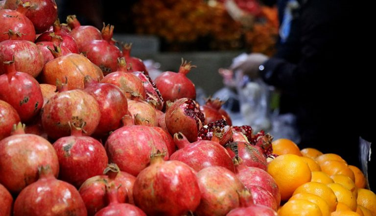 قیمت جدید انواع میوه در آستانه شب یلدا