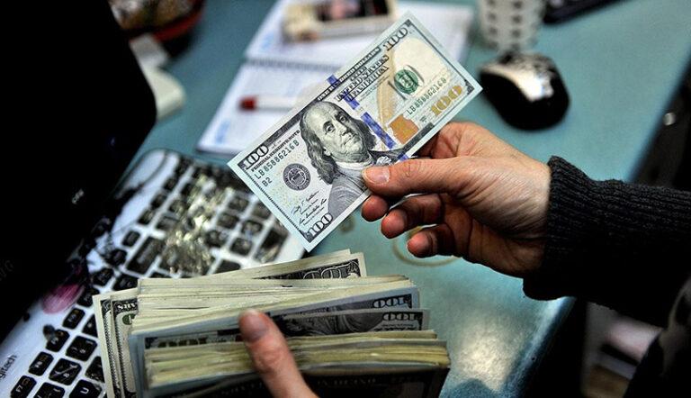 آخرین قیمت دلار تا پیش از امروز ۱۹ فروردین چقدر بود؟
